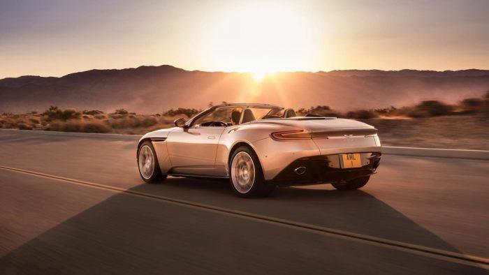 El Aston Martin DB11 Volante nos hace soñar con el verano en este vídeo